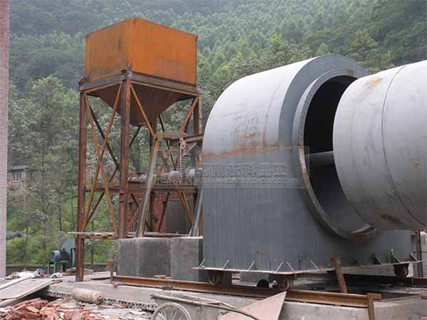 四川宜宾2.5×50米石灰回转窑生产线安装现场